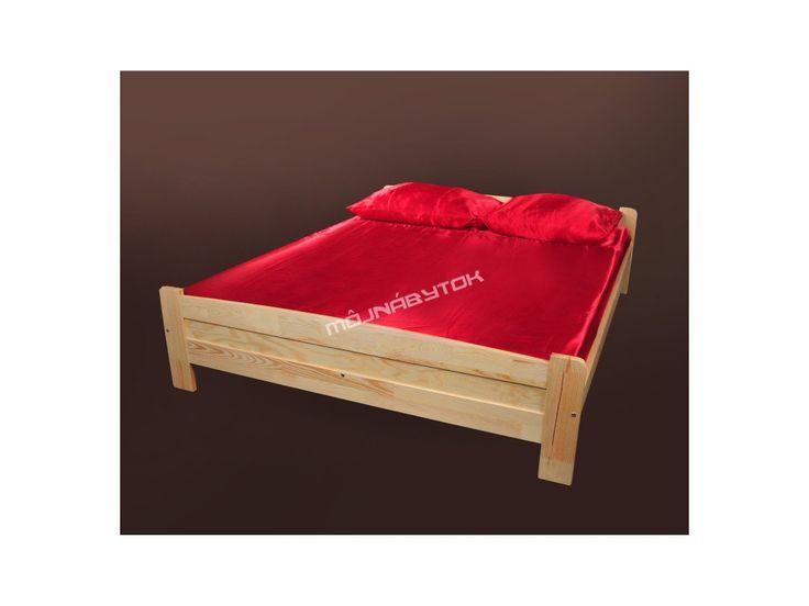 Krásna detská posteľ vyrobená z kvalitného borovicového masívneho dreva.