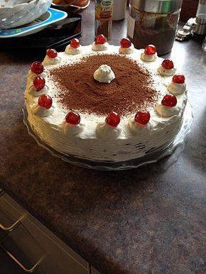 Weihnachtliche Kirsch – Mascarpone – Torte – Kuchen