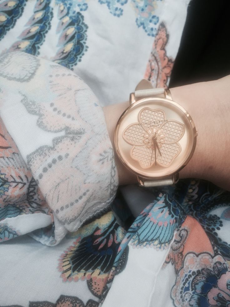 Director Jemma is blooming in her Enchanted Garden 3D Flower Watch. Isn't is gorgeous? <3