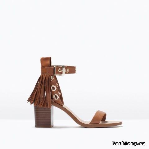 Замшевые сандалии Zara с бахромой