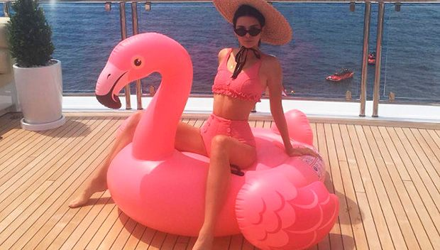 17 Summer Hotties Posing On Pool Floats In Bikinis: Taylor Swift, Kendall Jenner & More https://tmbw.news/17-summer-hotties-posing-on-pool-floats-in-bikinis-taylor-swift-kendall-jenner-more  As the summer heat keeps getting more intense the hottest stars (pun intended) are cooling down in the best way possible — on pool floats! Check out the most epic ones here.Summer is the absolute best season for so many reasons. Ice cream trucks. Stellar shades. Sunhats. Poolside drinks. And, oh yeah…
