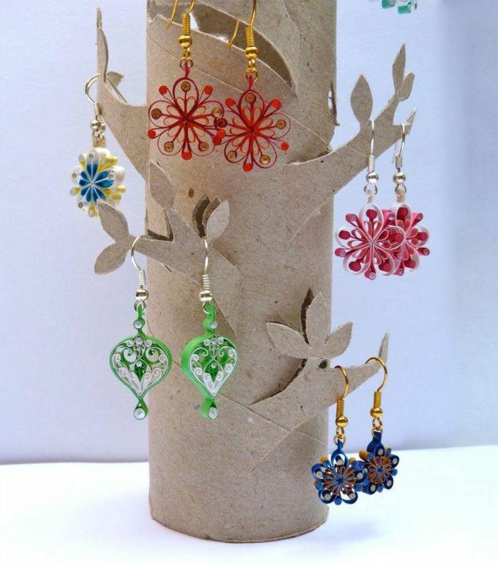 recycler le rouleau de papier toilette, rangement de bijoux créatif