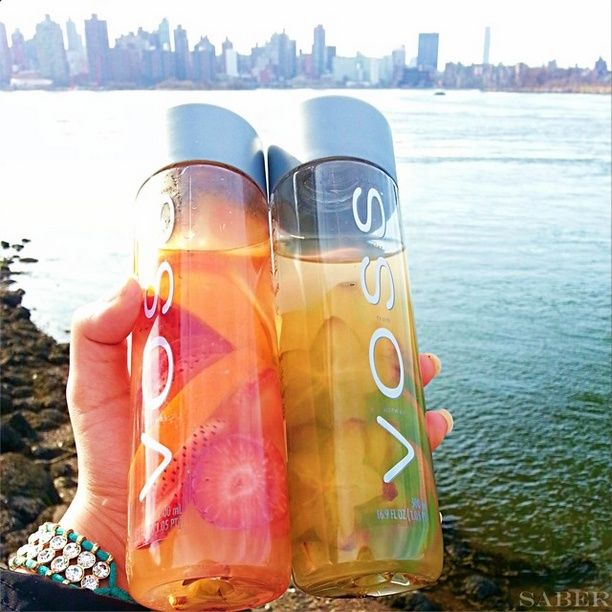 Fruit Infused Detox water RECIPES ♡ ✪ 1st Voss: Squeeze 2 finely chopped kiwis (with or without skin) + 1 chopped starfruit in the your voss bottle or mason jar. Seal. Let sit overnight or 6 hours max. ✪ 2nd Voss includes 4 chopped strawberries and one chopped orange. ➡ Tag someone you'd love to make this with soon X #detoxskintips