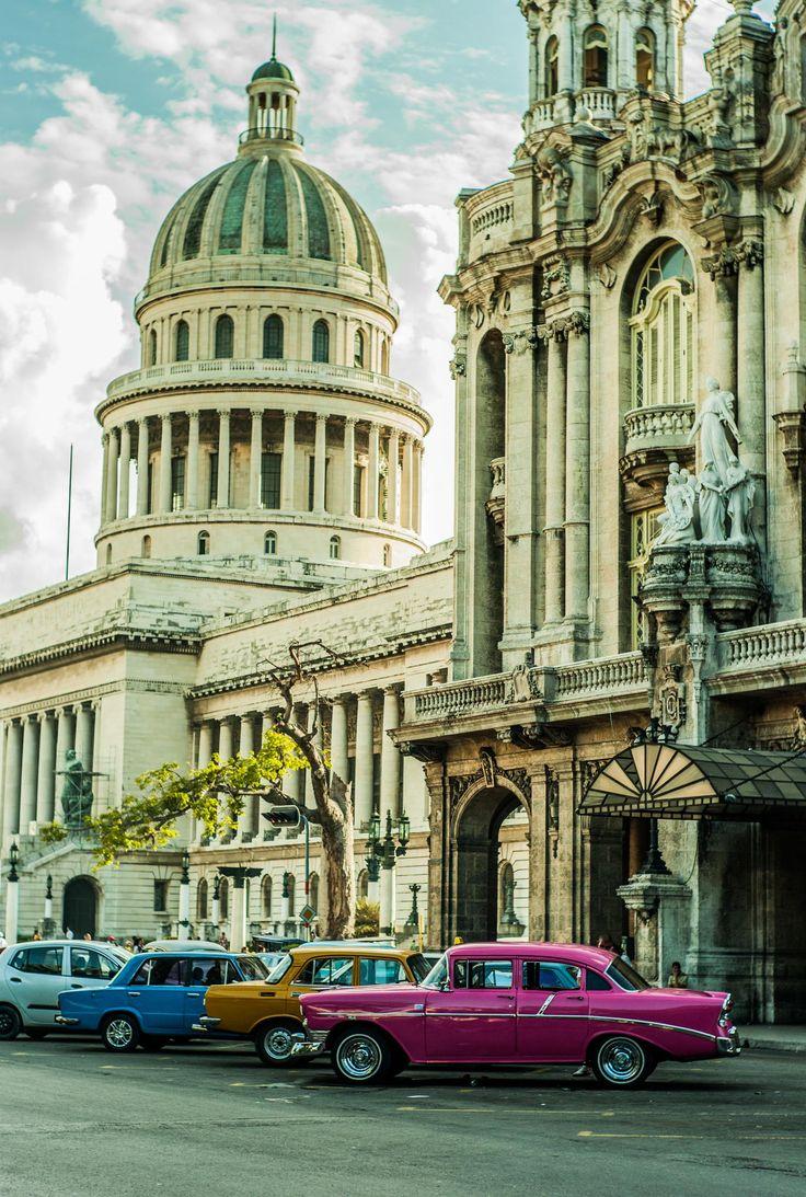 La Habana, Cuba es la capital y centro del pais. La ciudad fue establecida por primera vez en 1514. En 1607 La Habana se convirtio en la capital de los paises.