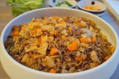 Hvidkålsgryde uden kulhydrater. En lækker vinterret med hvidkål og gulerødder, hvor det ikke er spor svært at undvære hverken kartofler eller pasta.
