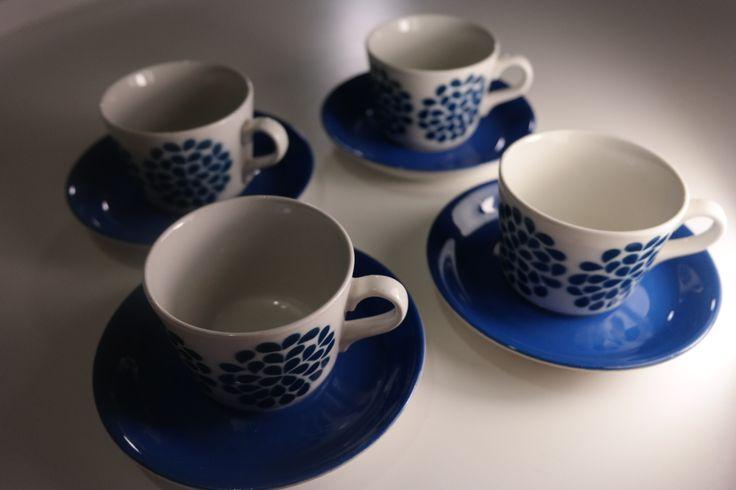For sale - Myydään Arabian sininen puhalluskuviokuppi (4kpl) - Huuto.net