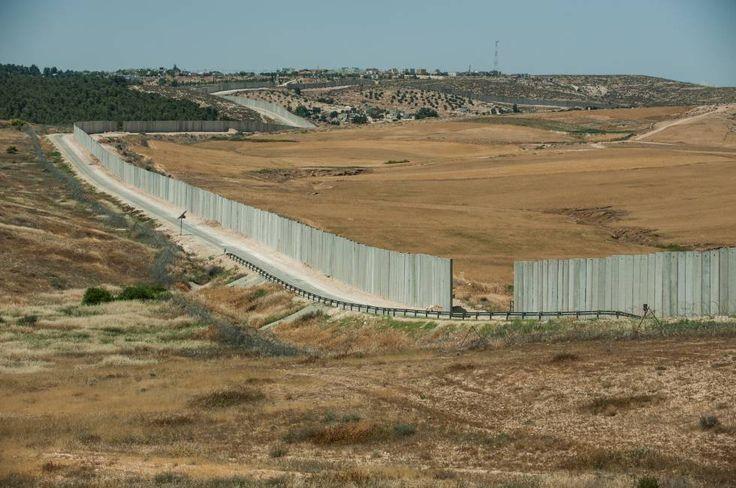 Parte del muro de Cisjordania, aun sin terminar, en la parte de Yata.