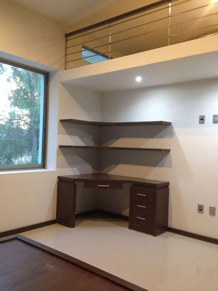 Escritorio de esquina con repisas para libros madera for Decoracion de escritorios en casa