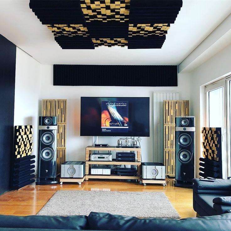 Bir High End projesinin tekrar sonuna yaklaştık 😎🎼👌 Çok hoş bir ortam oldu doğrusu 😍💿🖤 #osmancelebi #cengizerol #mihransilifkeli #focalofficial #lavaakustik #lava #akustik #acoustic #studio #stüdyo #design #tasarım #highend #ses #sound #soundsystem #music #beste #aranje #aranjör #aranjman #prova #kayıt #record #recordingstudio #musicroom #room #luxury #studiodesk #workstation Mihran Silifkeli