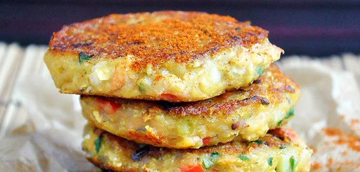 These spicy vegan lentil cakes are perfect for satisfying your spicy food cravings! They're easy to make, protein-rich and have a spicy and smoky flavor! |