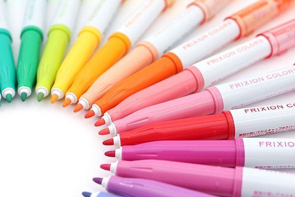 Folosind Frixion Colors îți poți lăsa creativitatea să zburde liber desenând și colorând. Dacă nu-ți place directia, poți șterge și începe din nou.
