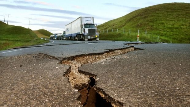 Bill ✔️  Trucks are parked up on State Highway 1 north of  Ward after cracks have appeared in the road. A massive M7.8 earthquake hit Kaikoura, New Zealand on 14 November 2016.    Bill Gibson-Patmore.  (curation & caption: @BillGP). Bill✔️