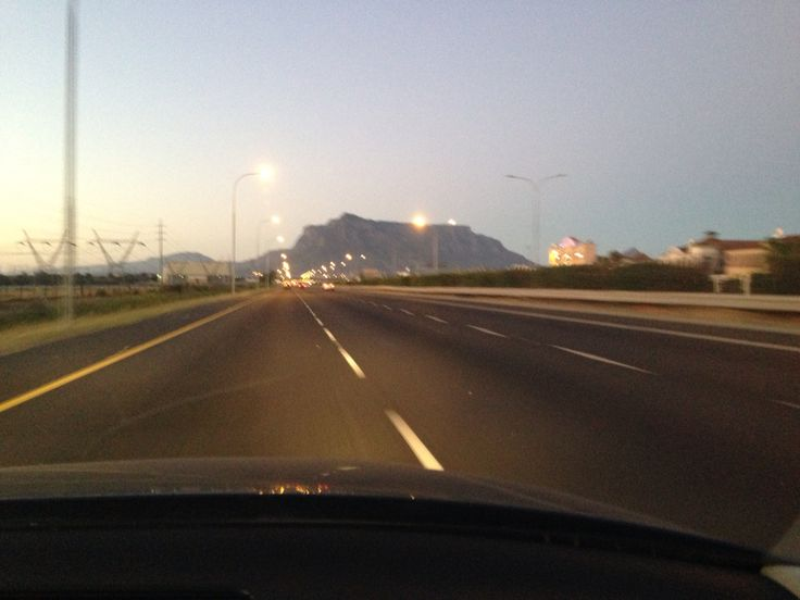 5.00am on showday ...on the way to Blaauwklippen estate