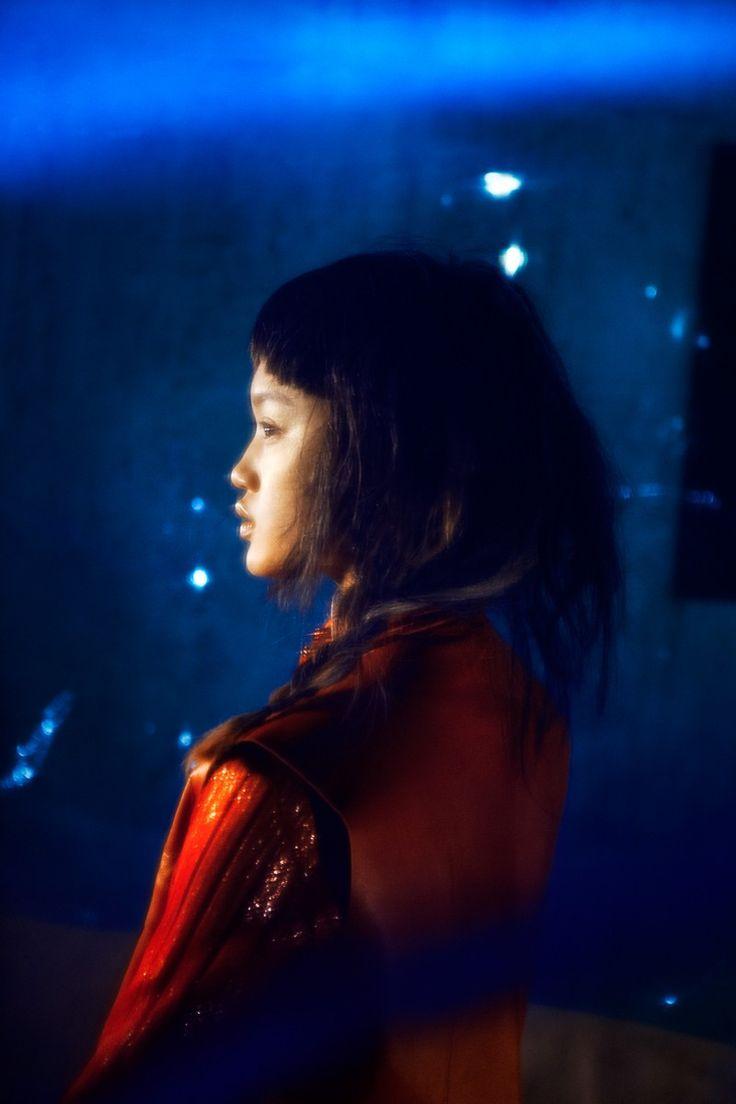 Blue don't glow. - by Anouk van Kalmthout for intoIT magazine.