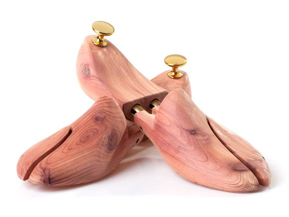First class cedar shoe trees at SHOEPASSION.com