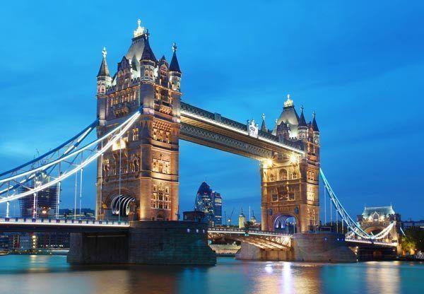 Tower Bridge Wall Mural #traveldestinationsaffordable #lowcostflights