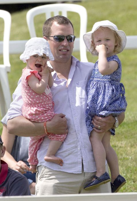 Peter Phillips enjoys family day out with Savannah and Isla - Photo 4 | Celebrity news in hellomagazine.com