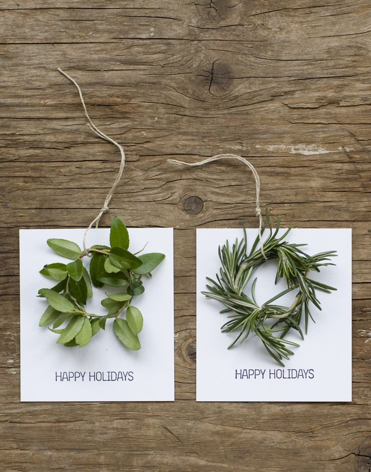 wreath holiday tags