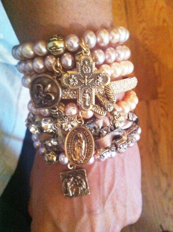❥ Honesty Jewelry - love the layered pearly look with a single charm.  photo for (p)inspiration only.