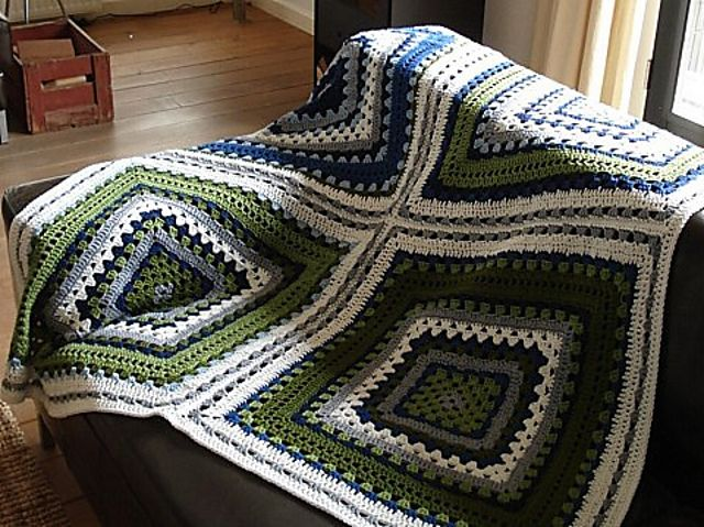 118 best CROCHET - BIG GRANNY SQUARES images on Pinterest | Crochet ...