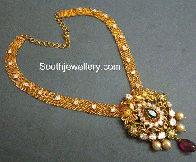mesh chain with pendant