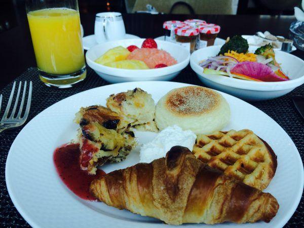 4月最初の朝食はコンラッドのパンケーキ朝食コンラッド東京