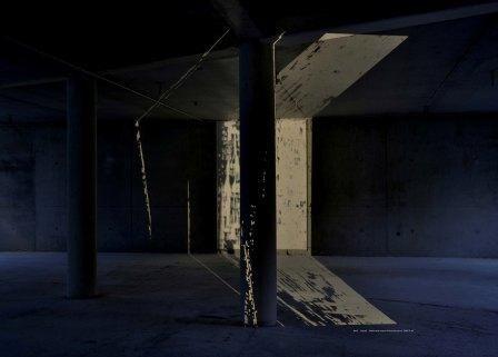 hersenschimmen-project . projectie in verlaten gebouwen. Jet Nuij