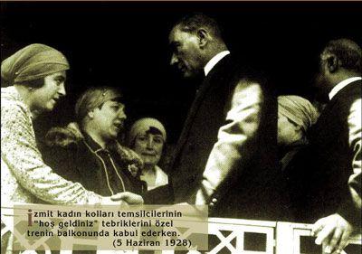 Atatürk ve Kadın Kolları temsilcileri (İzmit 1928)