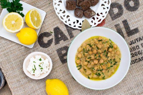 Easy Chickpea Soup Recipe (Revithia soupa)