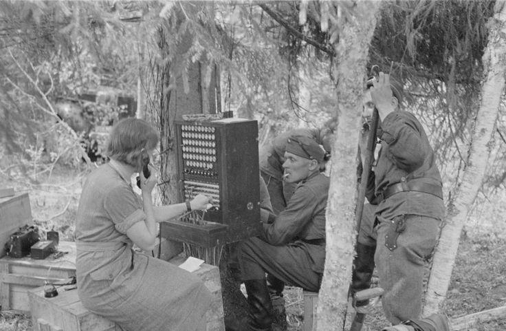 Lotta Svärd Yhdistys - Lotta Svärd- telephone exchange operator
