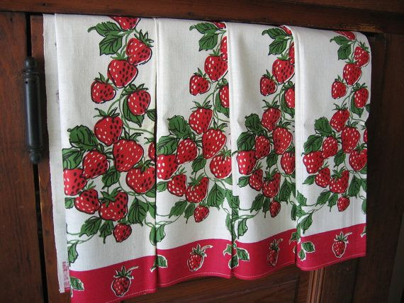 Strawberries Towels Vintage Mid Century Four Startex by Emmetswyfe, $45.00