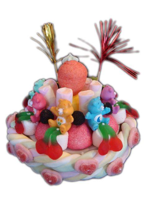 Gâteau de bonbons - Le Nuage des Bisounours + 7 figurines (5-6 personnes)