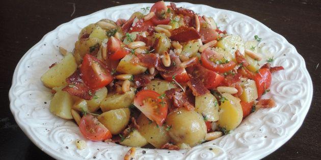 Kartoffelsalat med pinjekerner og karse