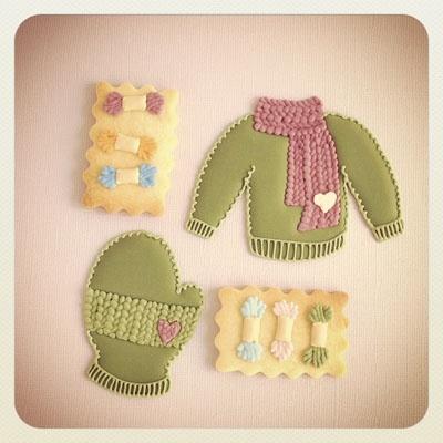 sweater & mitten cookies