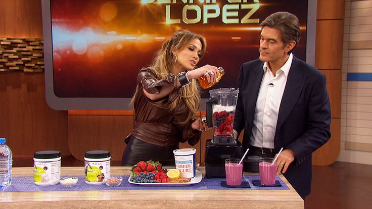 Why Jennifer Lopez Drinks Smoothies With Protein Powder: Jennifer Lopez and Dr. Oz discuss why adding protein powder to your smoothie in the morning will help give you more energy.