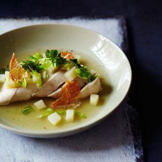 Rezept von Daniel Galmiche: Pochierte Hähnchenbrust mit Limettenblättern