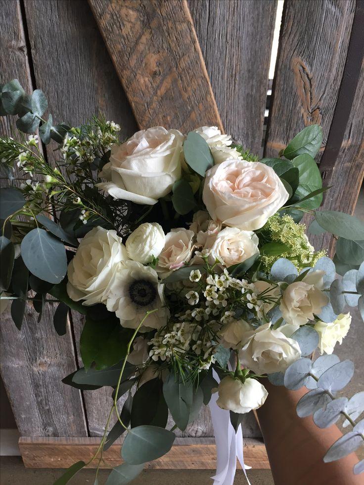 Bridal bouquet    #bridalbouquet #weddingflowers #weddingday #lebelvedere