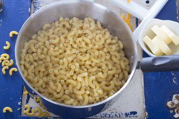 Макароны с сырным соусом в мультиварке - рецепт с пошаговыми фото / Меню недели