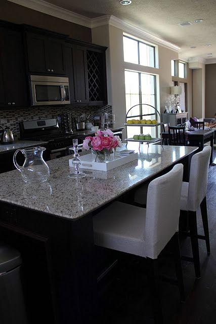 Like this granite, dark cabinets