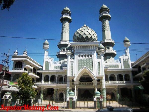 Masjid Jami' Malang, Menyatunya Arsitektur Jawa dan Arab | Sewa Mobil Malang Raditya Transport | Sewamobilmurahmalang.com