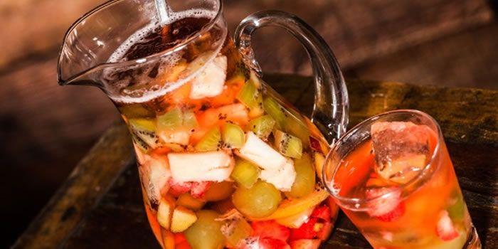 Veja nesta matéria várias receitas de drinks e bebidas típicas e mais pedidas para o Natal, Ano Novo e todos os tipos de Festa.