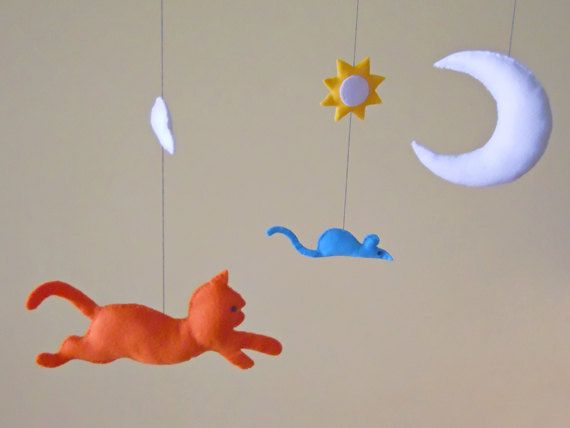Baby mobile with cat and mouse. Nursery decor. by FantasiediPenny, €70.00