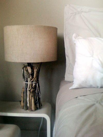 Best-Diy-Driftwood-inspirations-side-table-light.jpg (400×533)