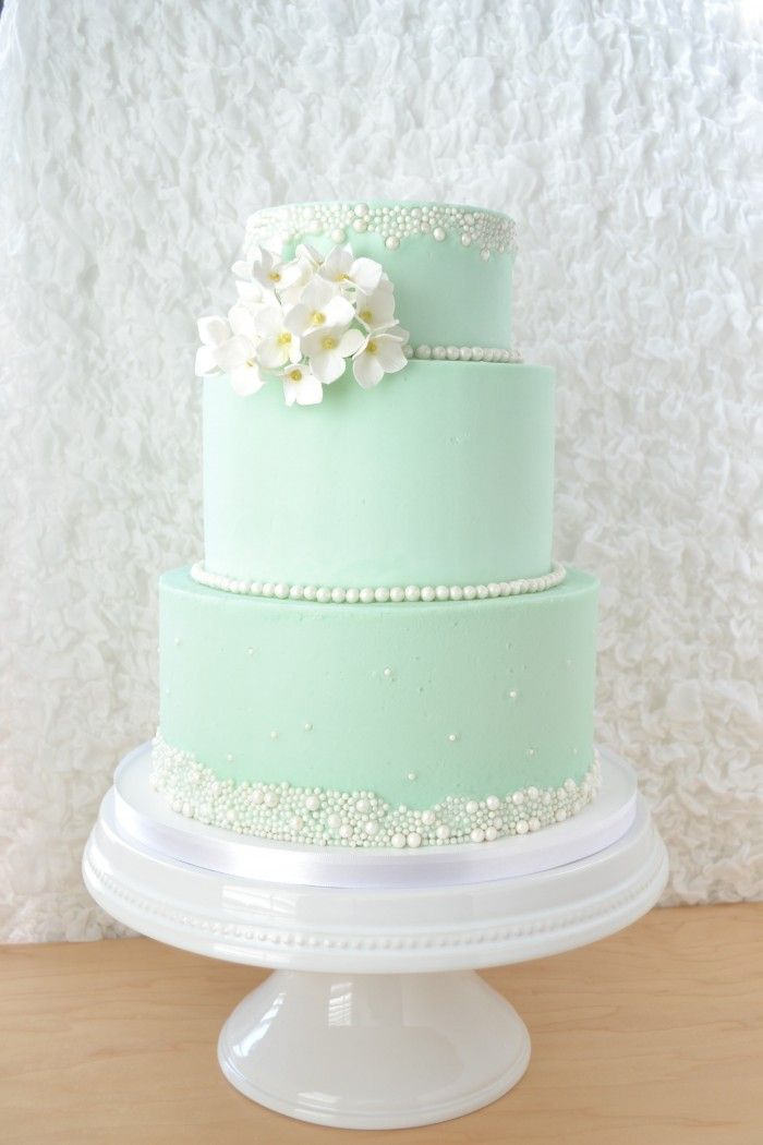 Hydrangea Wedding cake by flour & flourish