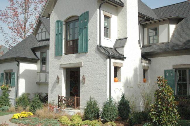 White Brick Dark Trim Parade Of Homes White Brick Houses