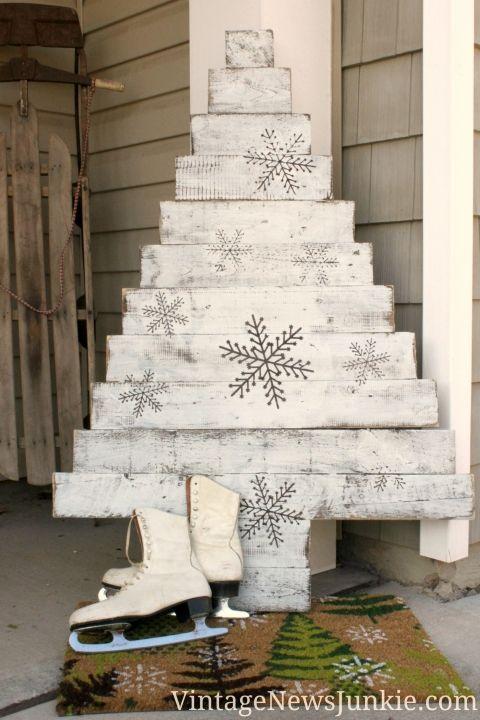 Best 25+ Pallet christmas tree ideas on Pinterest | Pallet tree ...