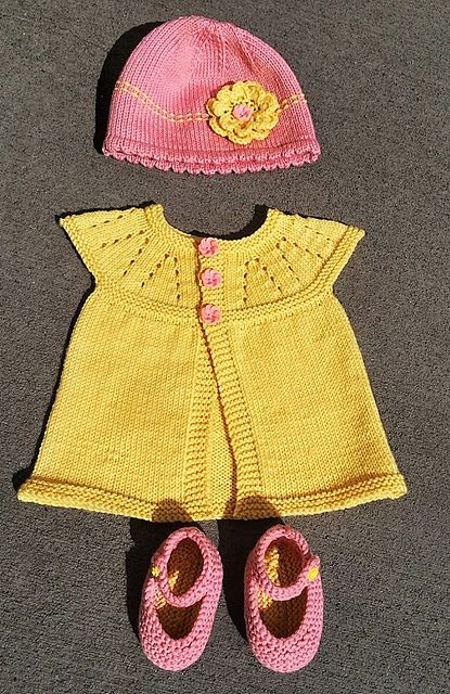 Ravelry: Project Gallery for all-in-one baby top pattern by marianna mel