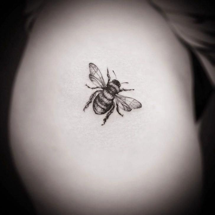 I Really Am Into The Colors And Shades Outlines And Detail This Is A Fantastic Idea If You Want Inspiration For A Small Bee Tattoo Bee Tattoo Subtle Tattoos