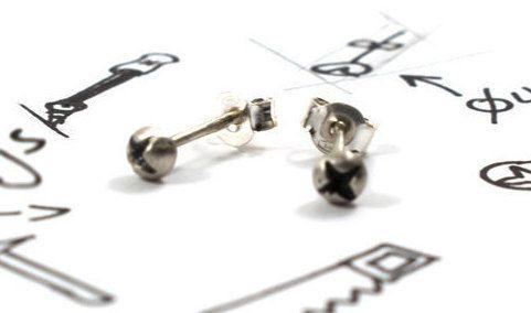 Screw earrings sterling silver oxidized silver by Akatergasto