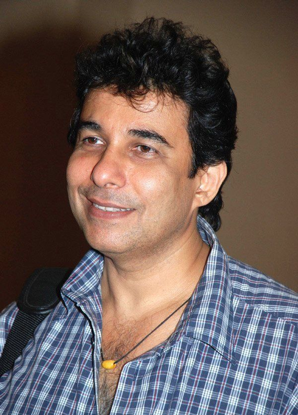 Deepak Tijori is celebrating his birthday today!!! iMusti wishes Deepak Tijori a very Happy Birthday and joyful life ahead! Deepak Tijori, is an Indian director and former actor who works in Bollywood movies. Tijori started his acting career with a small role in Krodh.